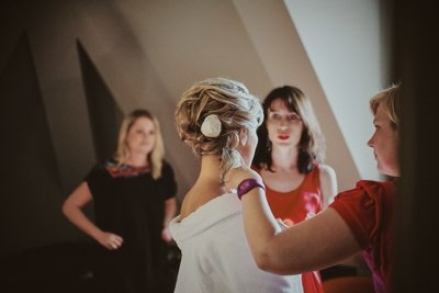 bridal preparation - wedding photos