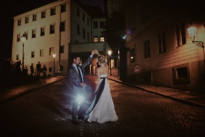 Romantic dance of the bride & groom at Prague Castle