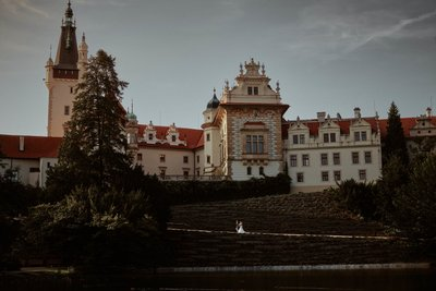 Castle Pruhonice destination wedding