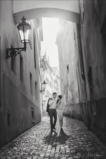 Walking in Prague - A love story - B&W photo