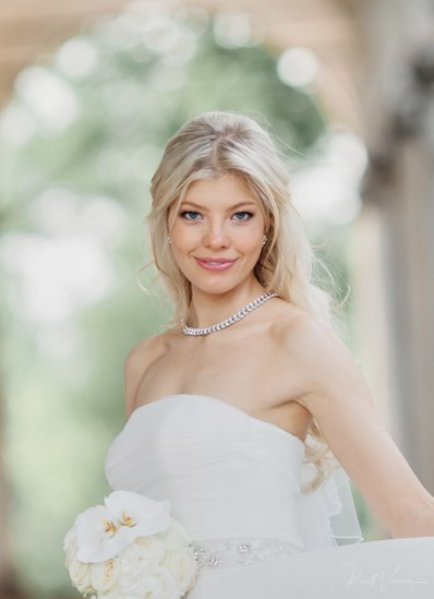 The gorgeous Swiss bride Julia at Prague Castle