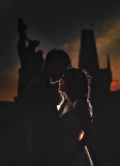 Moody, dark pre wedding photos from Prague