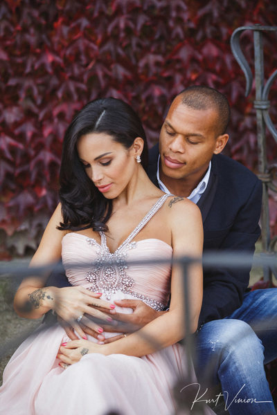 beautiful maternity portraits at Vrtba Garden