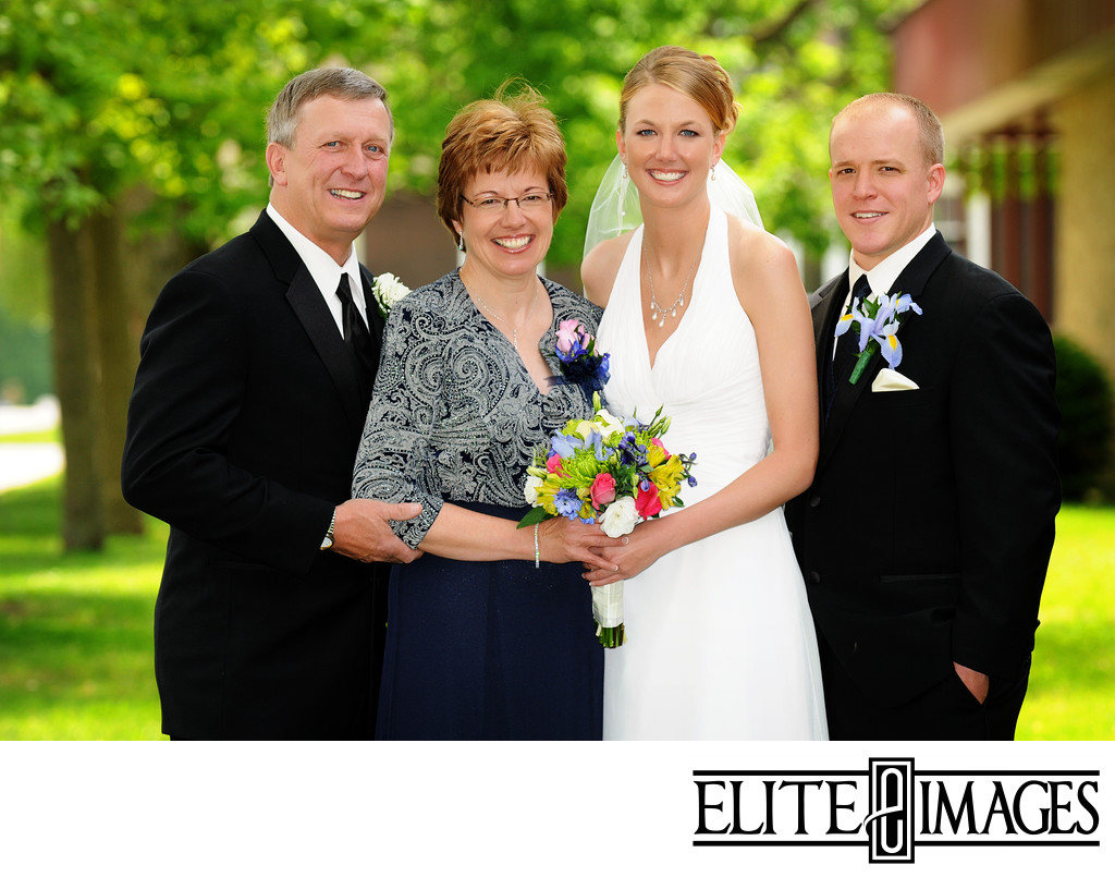 Professional Family Wedding Pictures