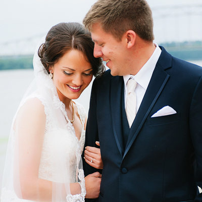 Wedding Photos on Dubuque Mississippi Riverwalk