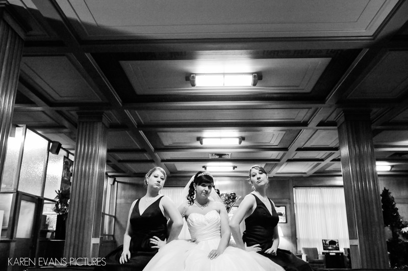 Bridal Party Portrait at The Columbus Athenaeum