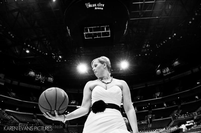 Fun Wedding Photos at Value City Arena