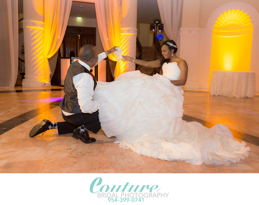 TOP RATED SOUTH BEACH MIAMI WEDDING PHOTOGRAPHERS