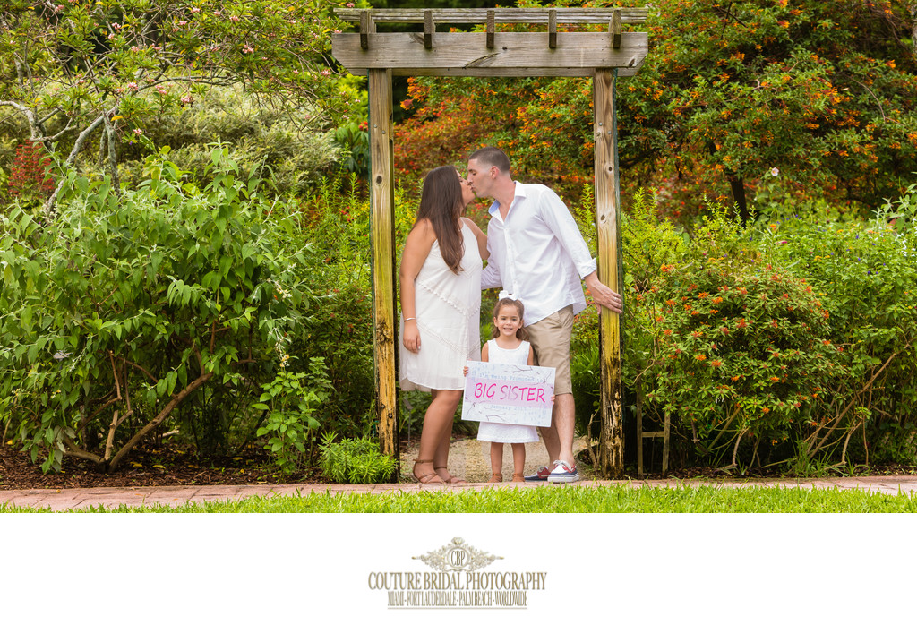 WEST PALM BEACH ON-LOCATION MATERNITY PHOTOGRAPHER