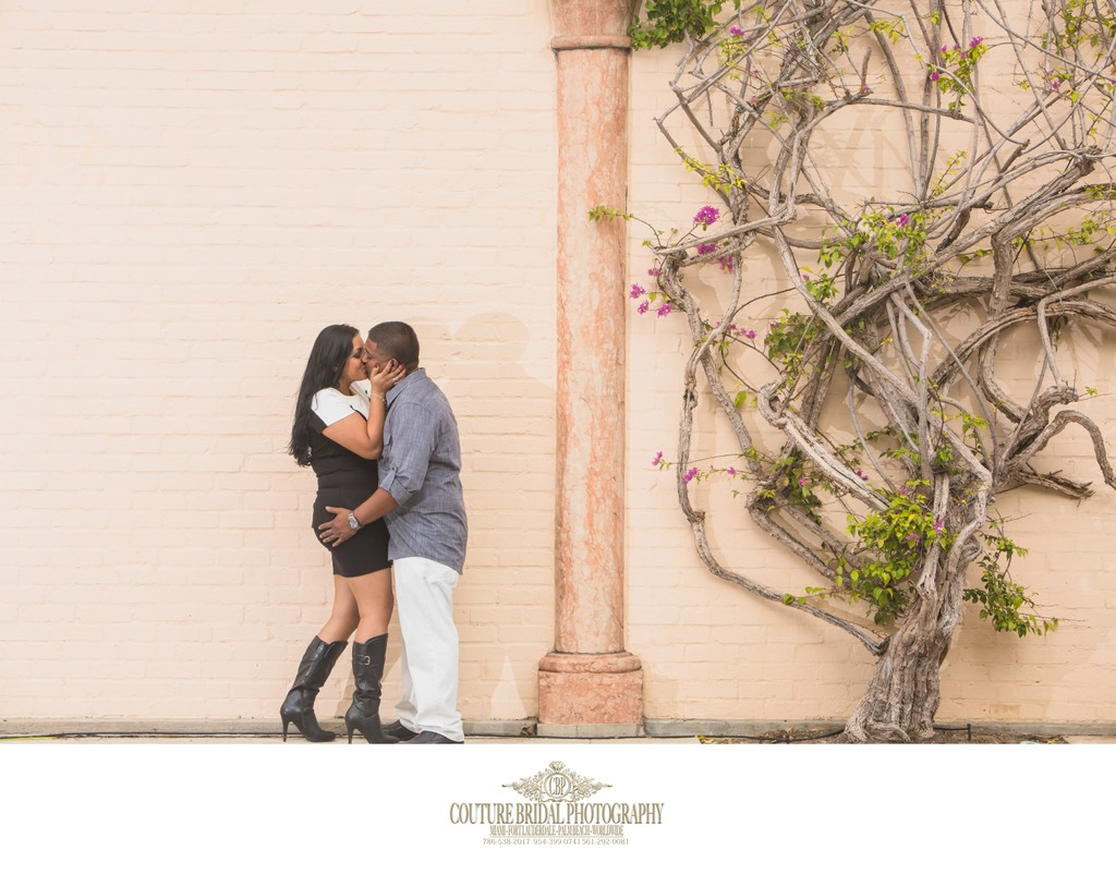 ENGAGEMENT PHOTOGRAPHER WORTH AVENUE PALM BEACH