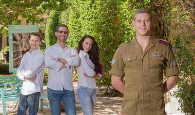 BOCA RATON ON-LOCATION FAMILY PORTRAIT PHOTOGRAPHER