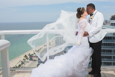 WEDDING PHOTOGRAPHER HILTON FT. LAUDERDALE BEACH RESORT