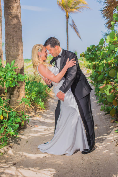 HIRE THE BEST MIAMI WEDDING PHOTOGRAPHER IN FLORIDA
