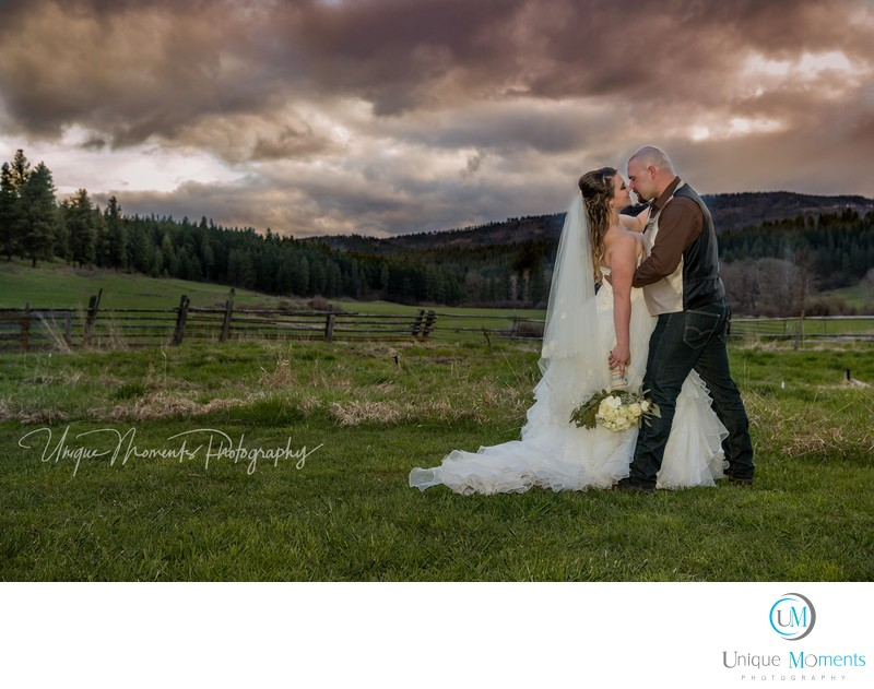 Cattle Barn Wedding venue Cle Elum WA 98922