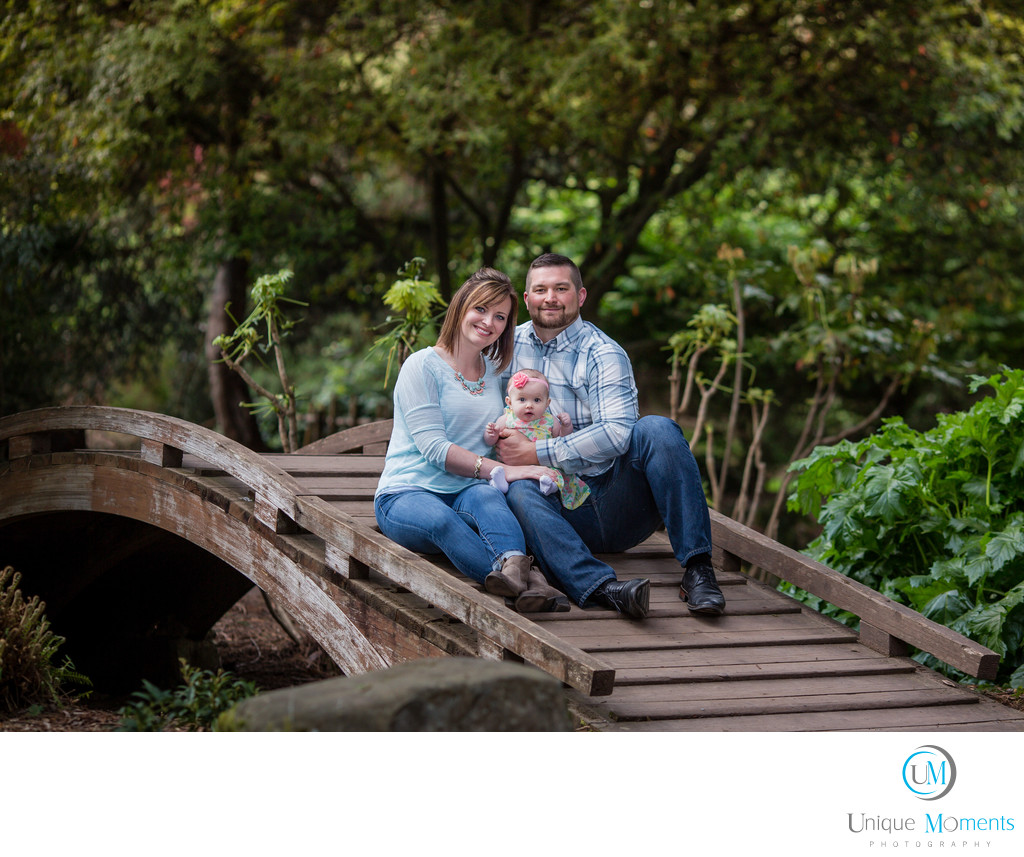 Tacoma Wedding Photographer Point Defiance Park Family portrait