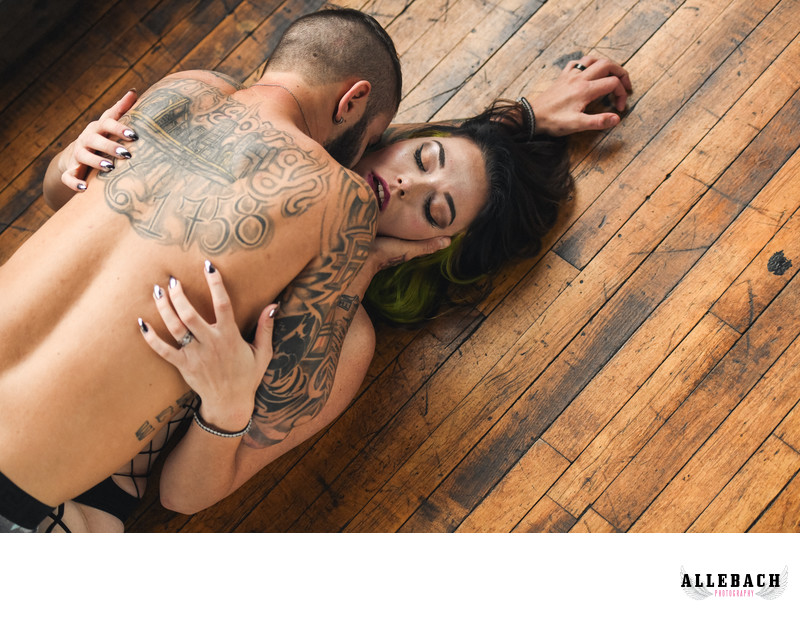 Photographer who takes Sexy Couple Photos