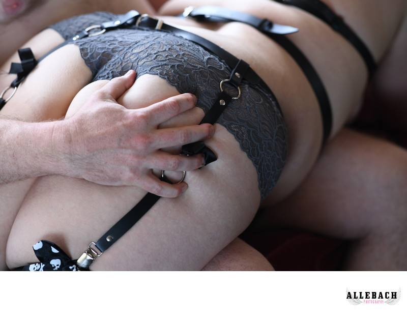 6 Hot Couples Boudoir Poses