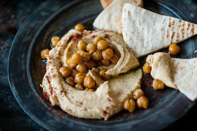 Roasted Chickpeas on Hummus with Pita Chips