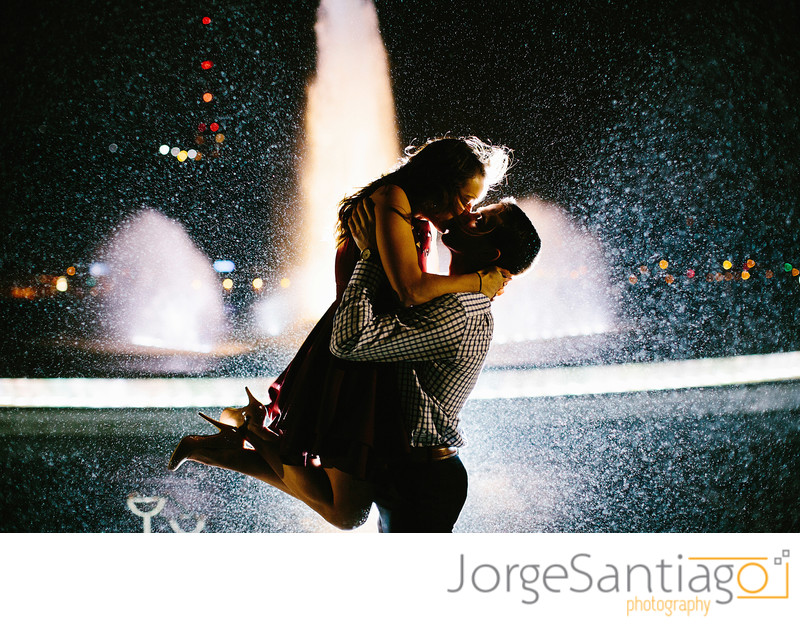 Best engagement session photos Pittsburgh fountain nighttime