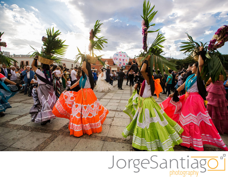 Oaxacan Wedding Traditions: La Calenda de Bodas